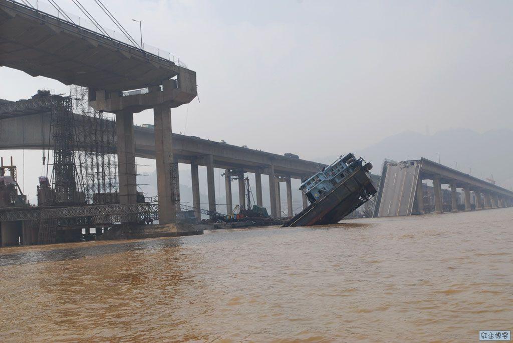 九江大桥,断了……